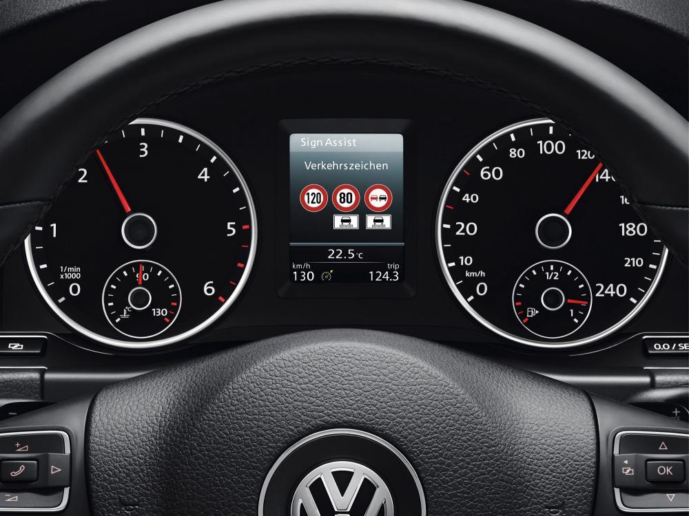 Volkswagen - Lenkrad - Bordcomputer - Verkehrszeichen Erkennung