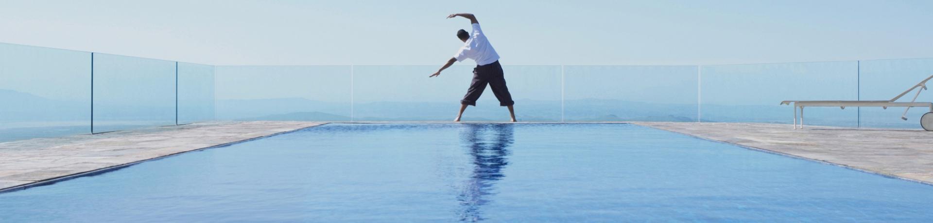 Sonstiges: Hotel Pool Yoga
