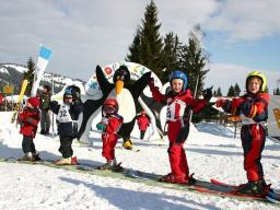 Kinder in Skischule Ofterschwang