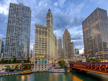 4473+USA+Chicago+North_Michigan_Avenue+GI-511400605