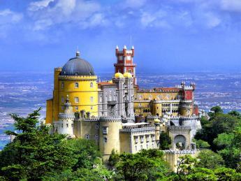 893+Portugal+Sintra+Palácio_Nacional_da_Pena+GI-114568859