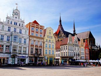 8190+Deutschland+Mecklenburg-Vorpommern+Rostock+Neuer_Markt+GI-174573916