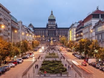 9345+Tschechien+Prag+Wenzelsplatz+GI-985577018