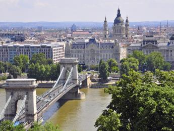 9404+Ungarn+Budapest+Kettenbrücke+TS_464364265