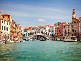 2340+Italien+Venetien+Venedig+Rialtobrücke+TS_138023451