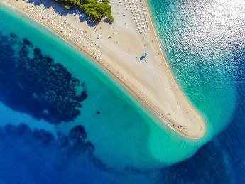 9042+Kroatien+Insel_Brac+Zlatni_Rat_Strand+GI-588594586