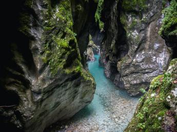 195+Slowenien+Tolmin_Gorge+GI-686823395
