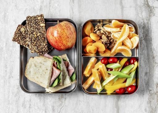 Lunchbox+Brote+Essen+GI-1128962609