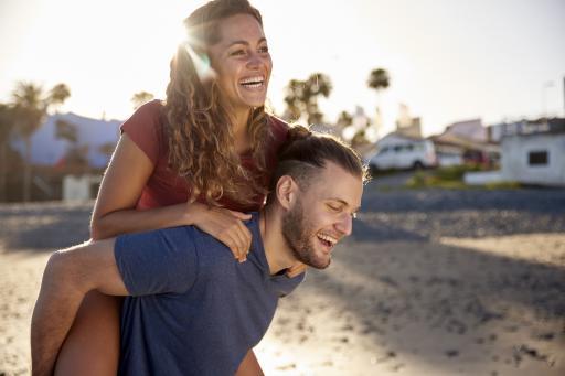 Gran Canaria - Paar am Strand - Sonne
